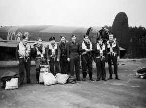 Royal_Air_Force_Bomber_Command,_1942-1945._CH17864